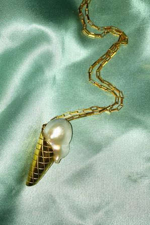 5 jewellery designers reinventing pearls Vogue paris Pearls and