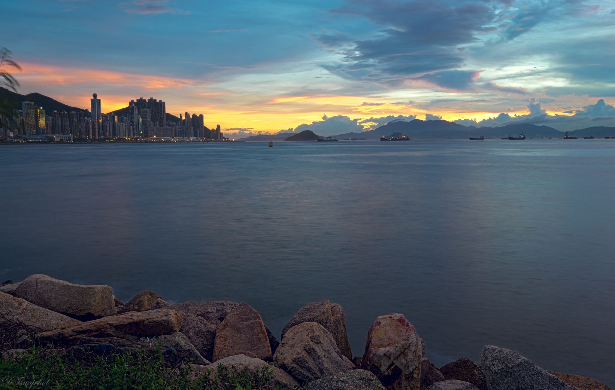 Magic hour at West Kowloon by Desmond Tam - Photo 116884799 - 500px