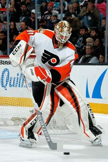 San Jose Ca December 30 Anthony Stolarz 41 Of The Philadelphia Flyers Handles The Puck During A Nhl Game Again With Images Hockey Goalie Nhl Games Philadelphia Flyers