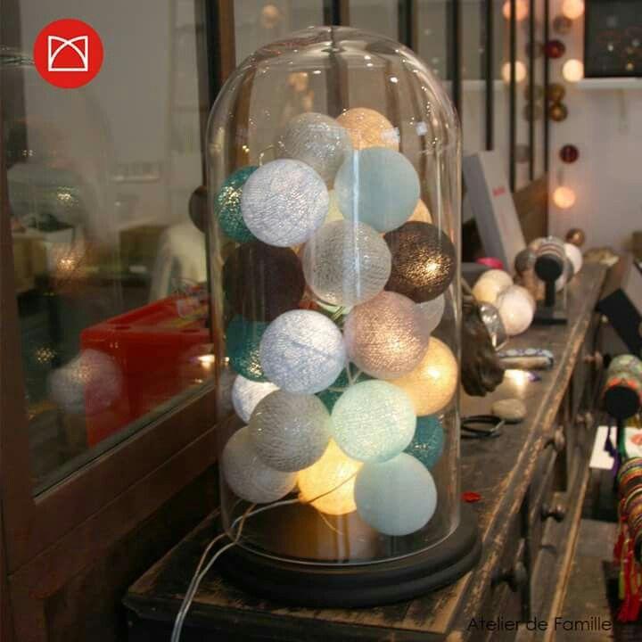 La Casa Du Cousin Paul Pour Les Boules Et Une Jolie Lanterne Decoratie Deco Interieur