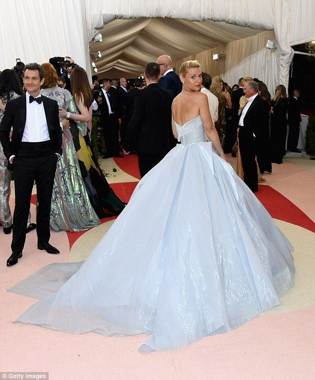 f37c4dfdc1 Powered: The other star with a lit up dress was Claire Danes who used  batteries in her gow.