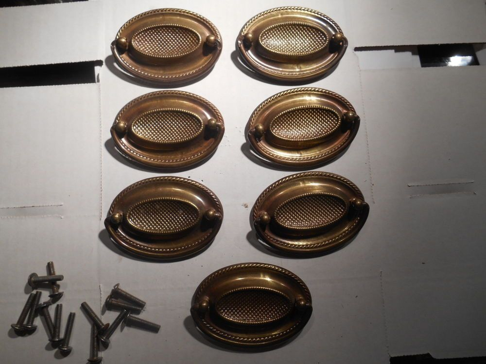 Great ANTIQUE VINTAGE SET OF 7 OVAL RING DRAWER PULLS METAL BRASS FINISH