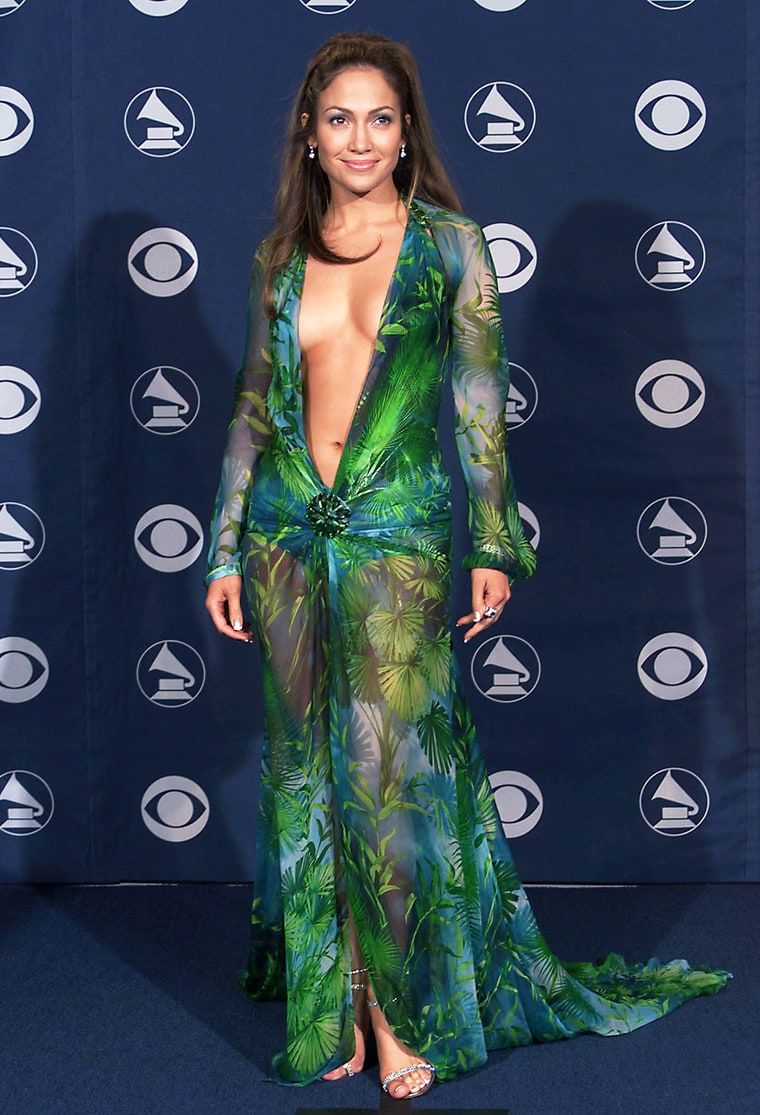 Usweekly Grammy Fashion Grammy Dresses Iconic Dresses [ 1115 x 760 Pixel ]