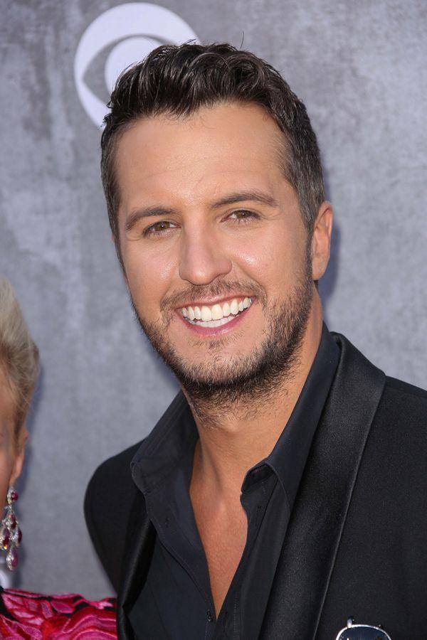 9/10 Dentists Agree: Luke Bryan's Teeth are Perfect