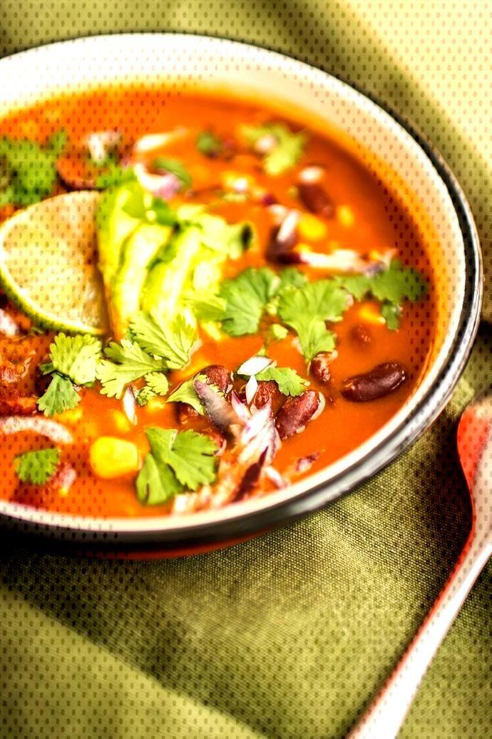 Soupe mexicaine épicée - Recette végétarienne, vegan Une délicieuse soupe mexicaine de haricot