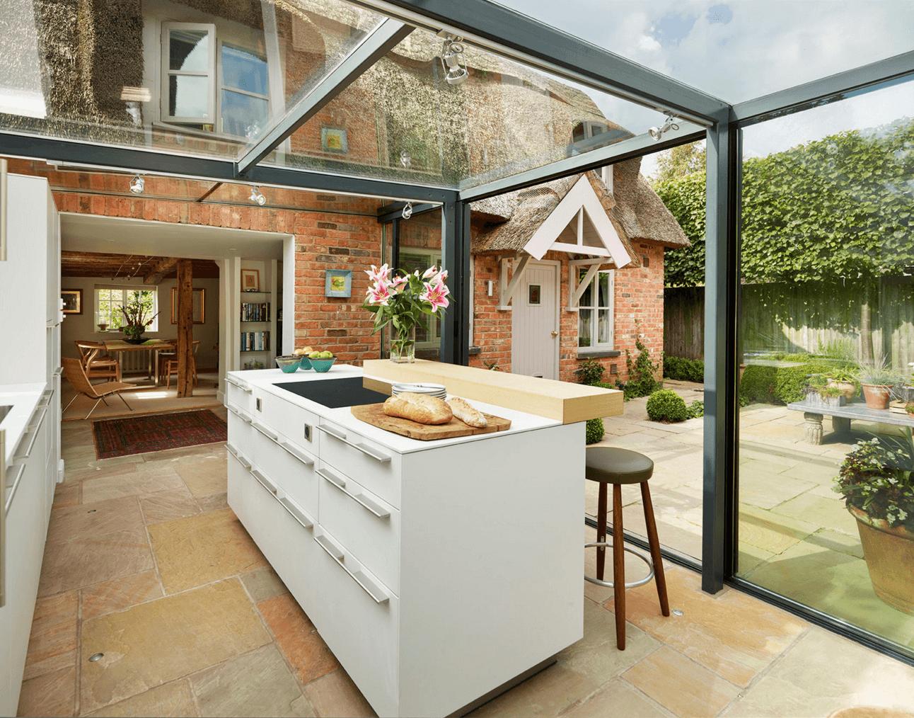 Küchengestaltung: Ein Glashaus Für Eine Angebaute Küche ... Wohnzimmer In Wintergarten Haus Renovierung