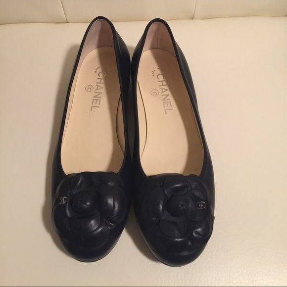 Chanel camellia, Chanel shoes flats, Chanel