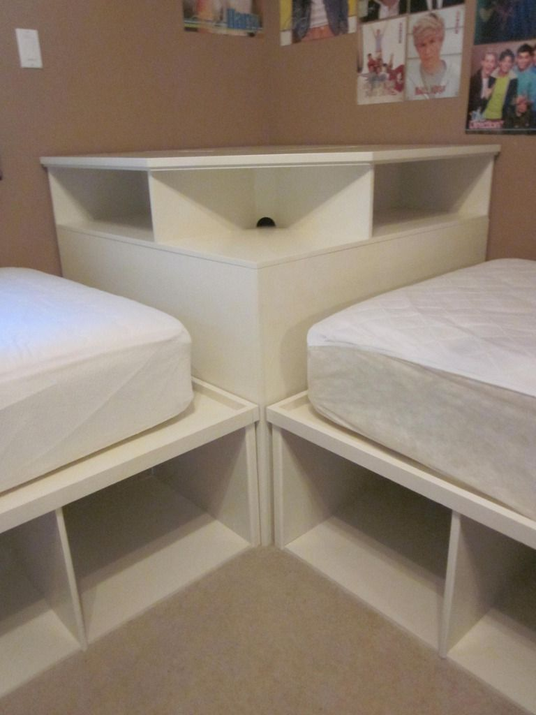 Corner twin bed bedroom sets for boys - Tween Teen 2 Twin Beds Pottery Barn Corner Unit Reminds Me Of The Beds The Room Mates Share In Touch Of Mink Starting Doris Day So Cool