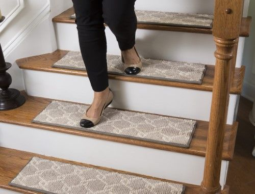Best Parterre Traditional Carpet Stair Tread With Adhesive 400 x 300