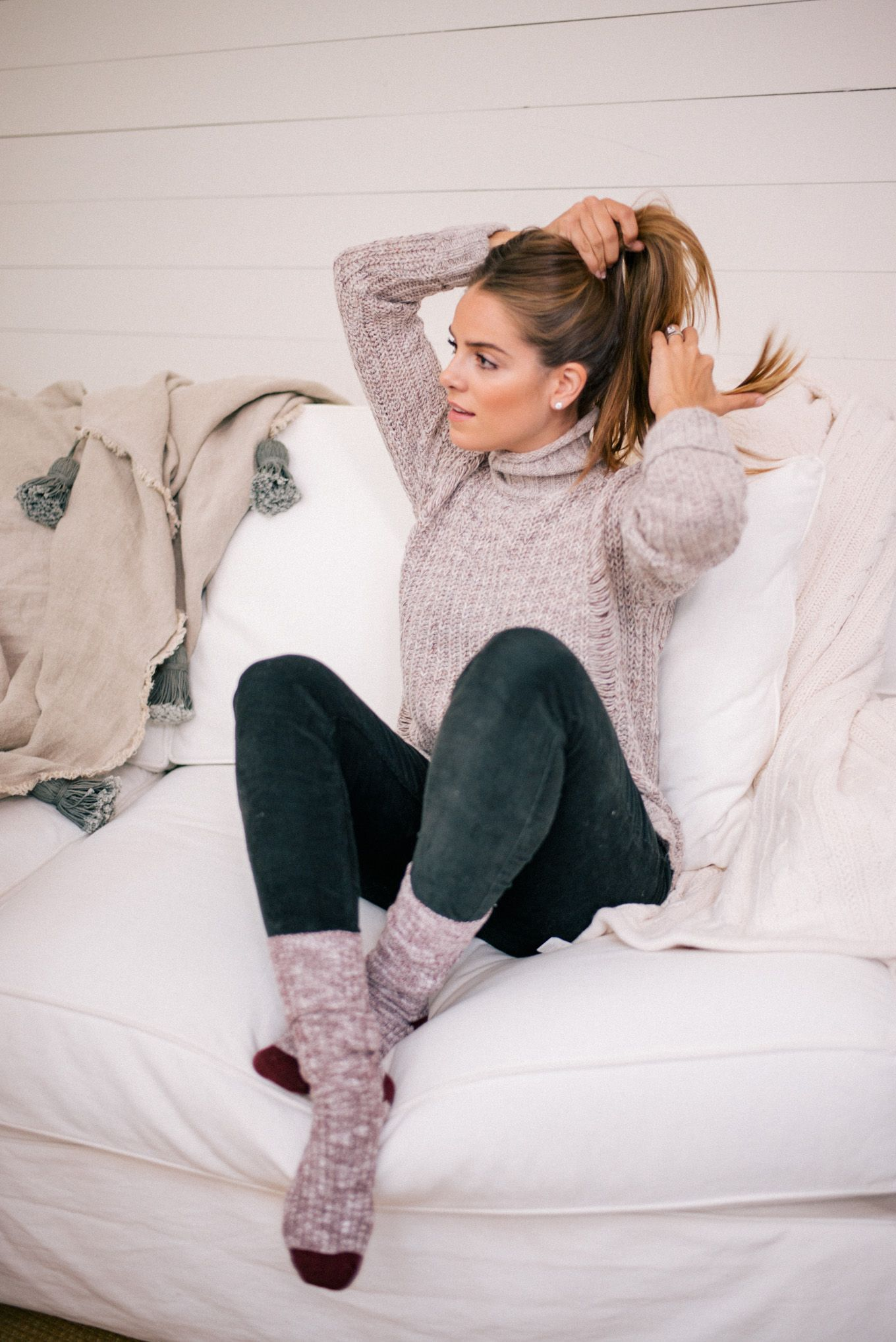 Gal Meets Glam Cozy At Home For The Holidays - Express sweater 4a799d73b