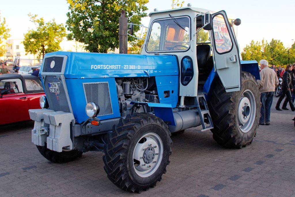 alle gr en oldtimerrundfahrt neubrandenburg traktor. Black Bedroom Furniture Sets. Home Design Ideas