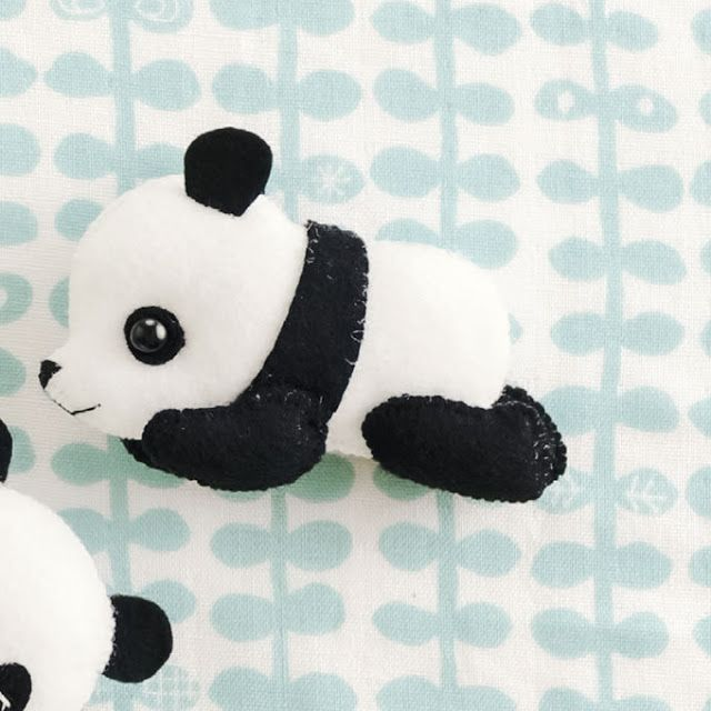 Ursinho panda com molde   Moldes de feltro   Pinterest   Panda, Cute ...