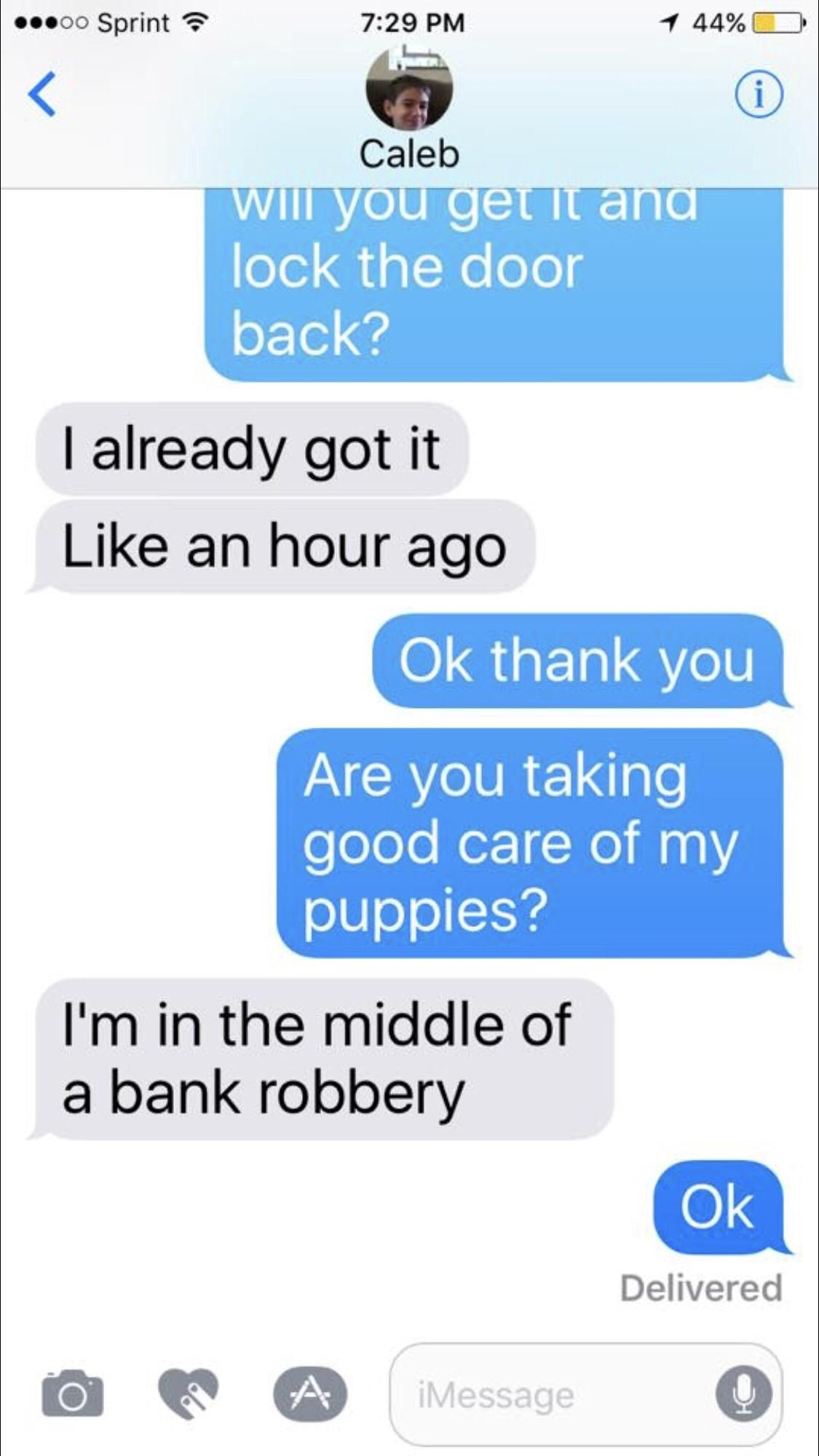 Mom texts funny meme LOL humor funnypics dank