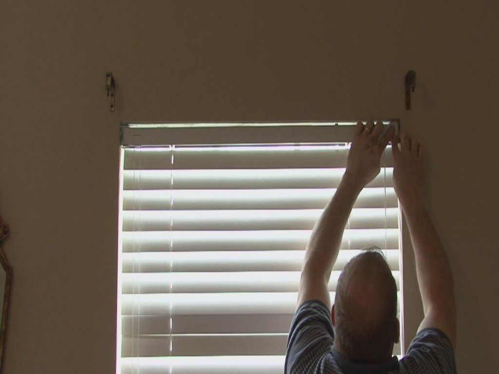 How to clean mini blinds without taking them down wood