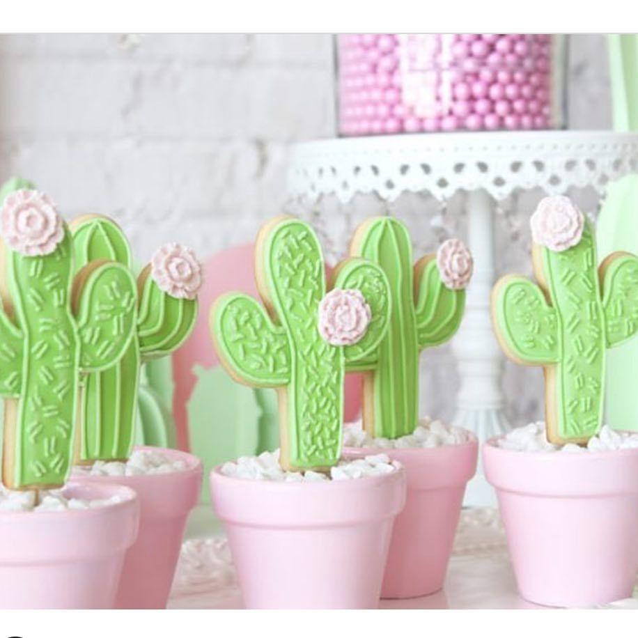 Apaixonada simmm é de comer . BY @hello.mecupcake #mae_festeira #maefesteiracactos #cactus