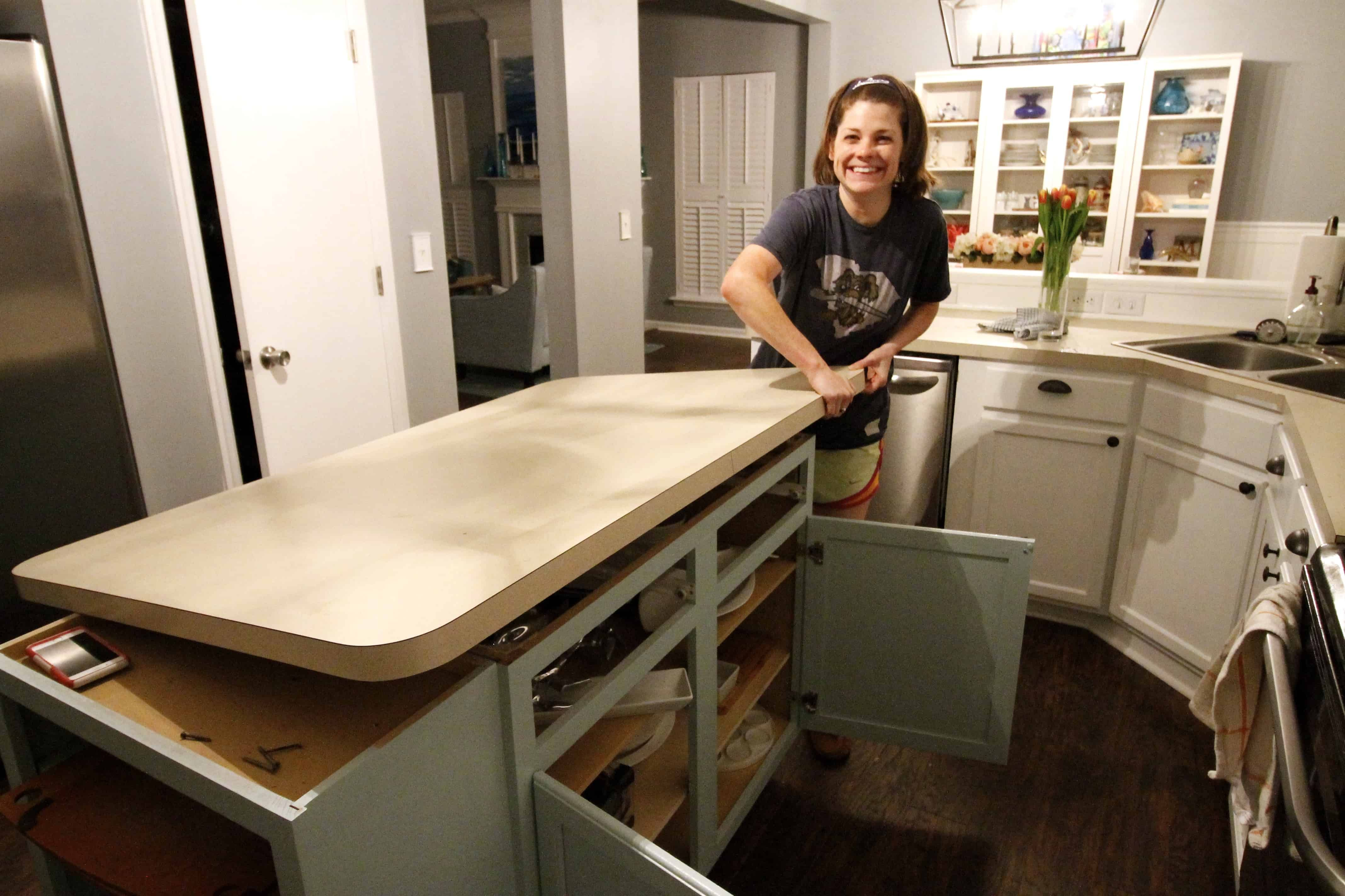 How To Remove Laminate Countertop Backsplash Without Damaging Cabinets Kitchen Remodel Countertops Laminate Countertops Countertops