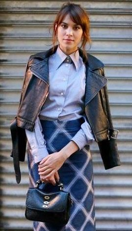 Alexa Chung wore a pale blue shirt with an oversized collar, a patterned knee length high waisted skirt by House of Holland, black court heels and a leather jacket. She accessorised with the Mulberry Bryn bag  http://www.pinterest.com/offsite/?token=872-951&url=http%3A%2F%2Fwww.harpersbazaar.co.uk%2Flatest-news%2Fthis-weeks-best-dressed-170613%23slide-1&pin=33847434672684771