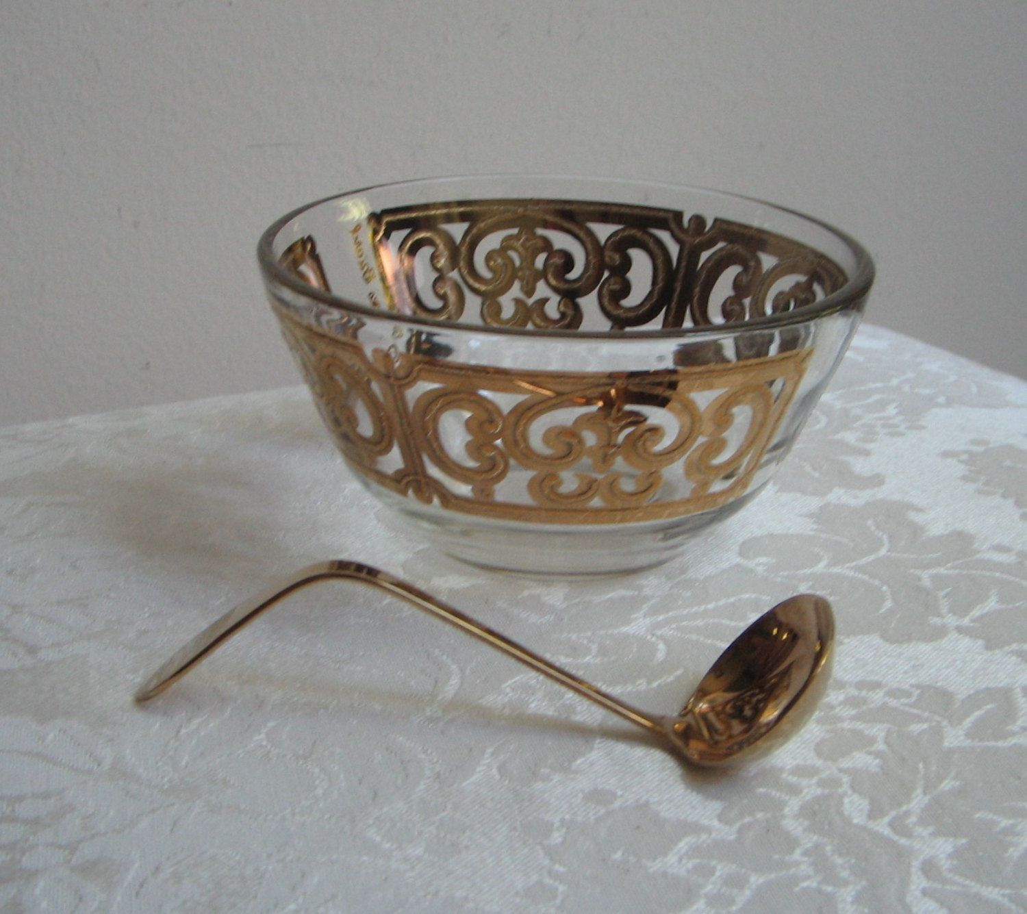 Vintage Georges Briard Small Glass Bowl Gold Ornate With 24k Etsy Glass Bowl Gold Glass Glass Serving Bowls