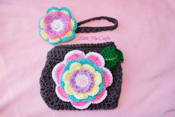 This beautifully handmade crochet diaper cover set is a newborn-3 month size. This set would make a lovely photo prop or a cute, casual wear.