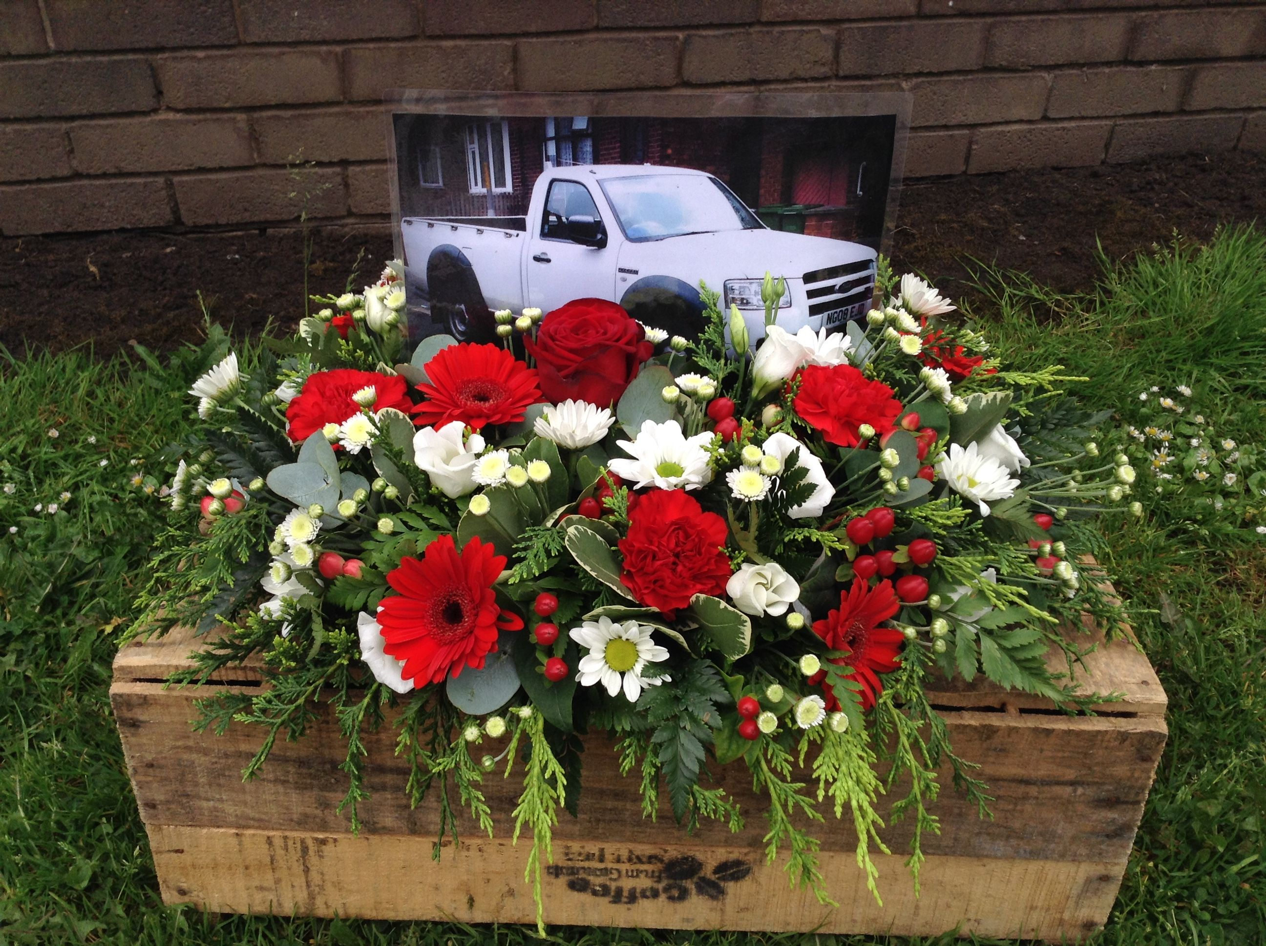 Posy with a picture of a favourite truck #funeral #posy #picture ...