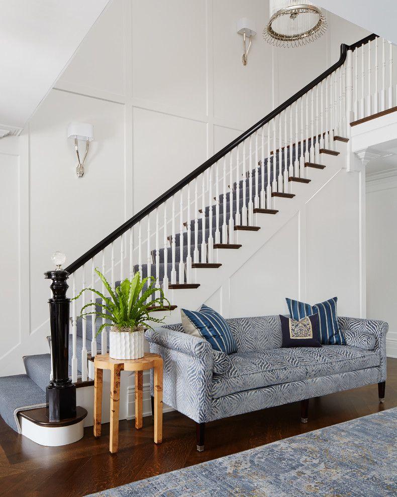 Best White Staircase With Dark Wood Carpet Runner Black 400 x 300