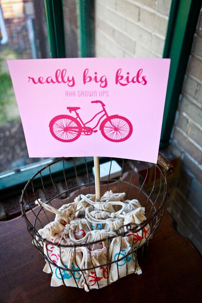 bike birthday party favors in screenprinted bags | Party Potential ...