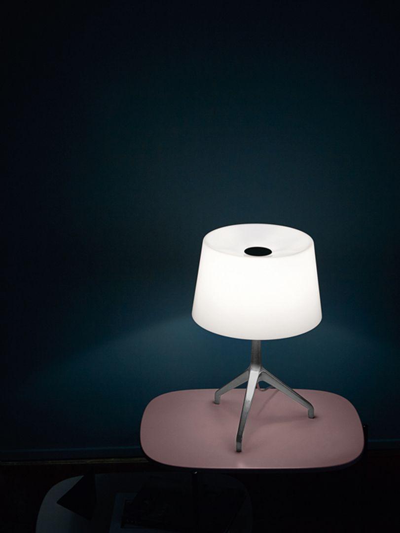 Prodotti Illuminazione E Lampade Di Design Contemporaneo Foscarini En 2020 Lampe De Table Blanche Lampes De Table Lampe