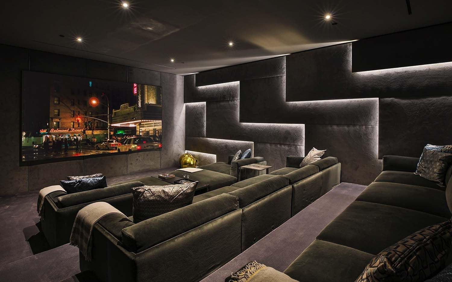 Sumptuous Luxury Modern Home With Views Over The La Skyline Luxury Modern Homes Home Theater Seating Home Theater Room Design