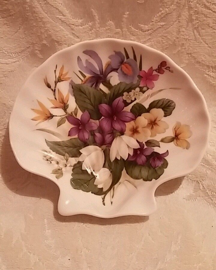 Royal Stafford Bone China Shell-Shaped Soap Dish Flowers for Victoriau0027s Secret | Pottery u0026 Glass Pottery u0026 China China u0026 Dinnerware | eBay! & Royal Stafford Bone China Shell-Shaped Soap Dish Flowers for ...