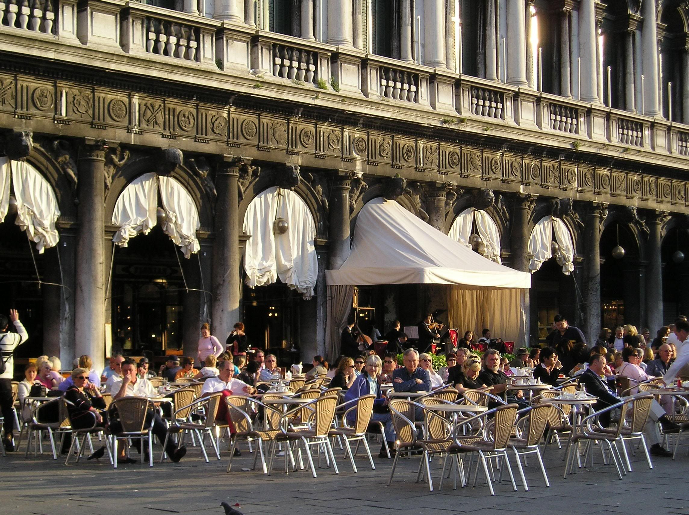 Venice Caffe Florian Piazza Di San Marco First Opened Its Doors In 1720 Loved Sipping Cappuccino And Romantic Honeymoon Destinations Venice Venice Italy
