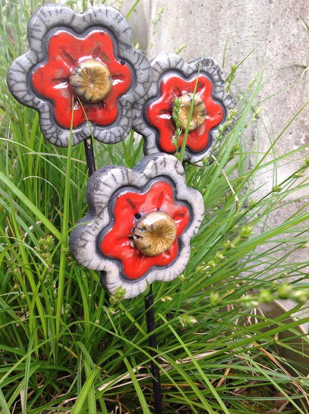 fleur rouge en c ramique raku 01 poterie ceramique pinterest fleurs rouges raku et rouge. Black Bedroom Furniture Sets. Home Design Ideas