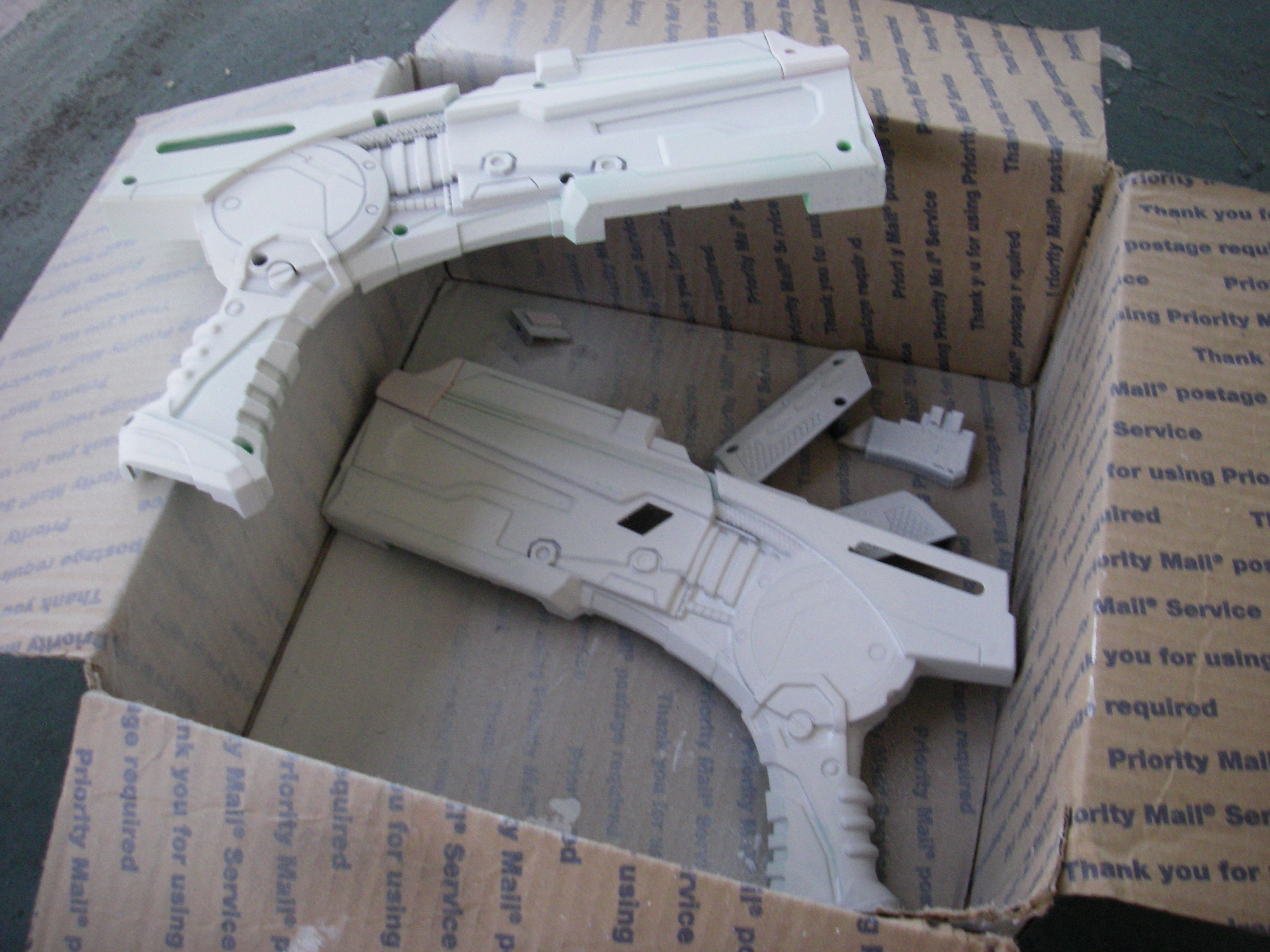 Zolloz Studios: Nerf Gun Mod: The Mass Effect Paint Job