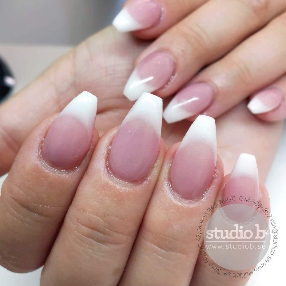 c3da6d521708 När man bara vill ha snygga naglar eller när som helst finns studio b, här  för dig.