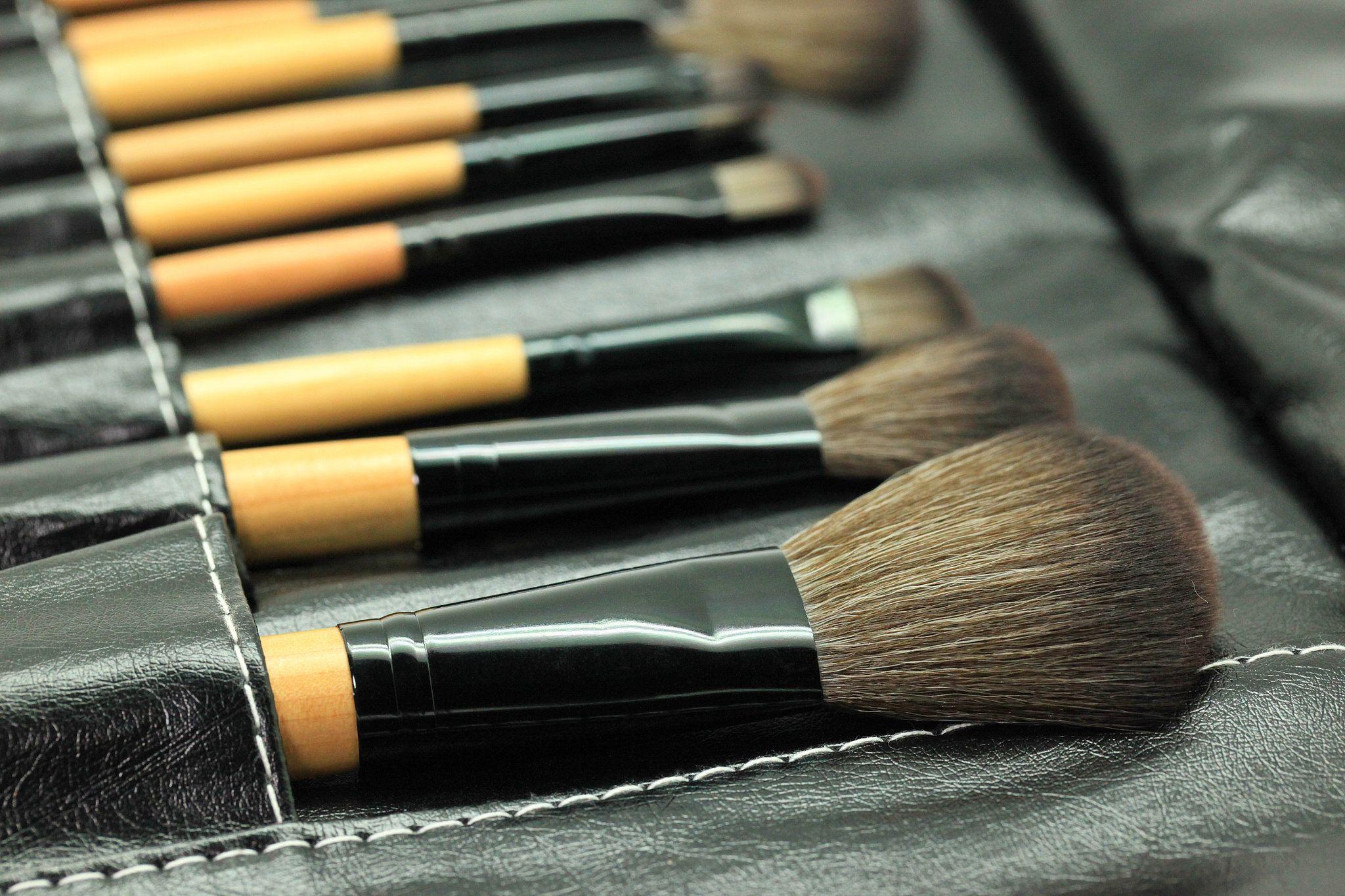 MakeupBrush Cleaner Makeup tutorial for beginners, Best