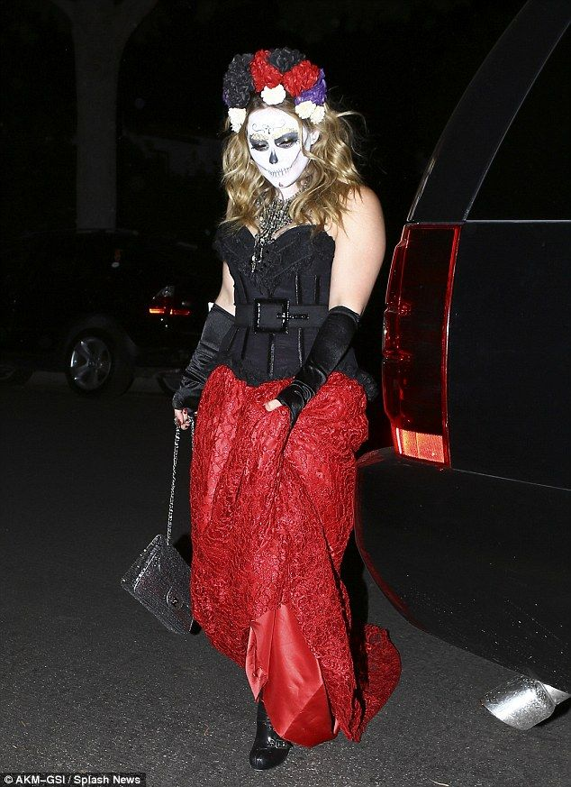Pretty scary! Hilary Duff dons Day of the Dead look for Halloween ...