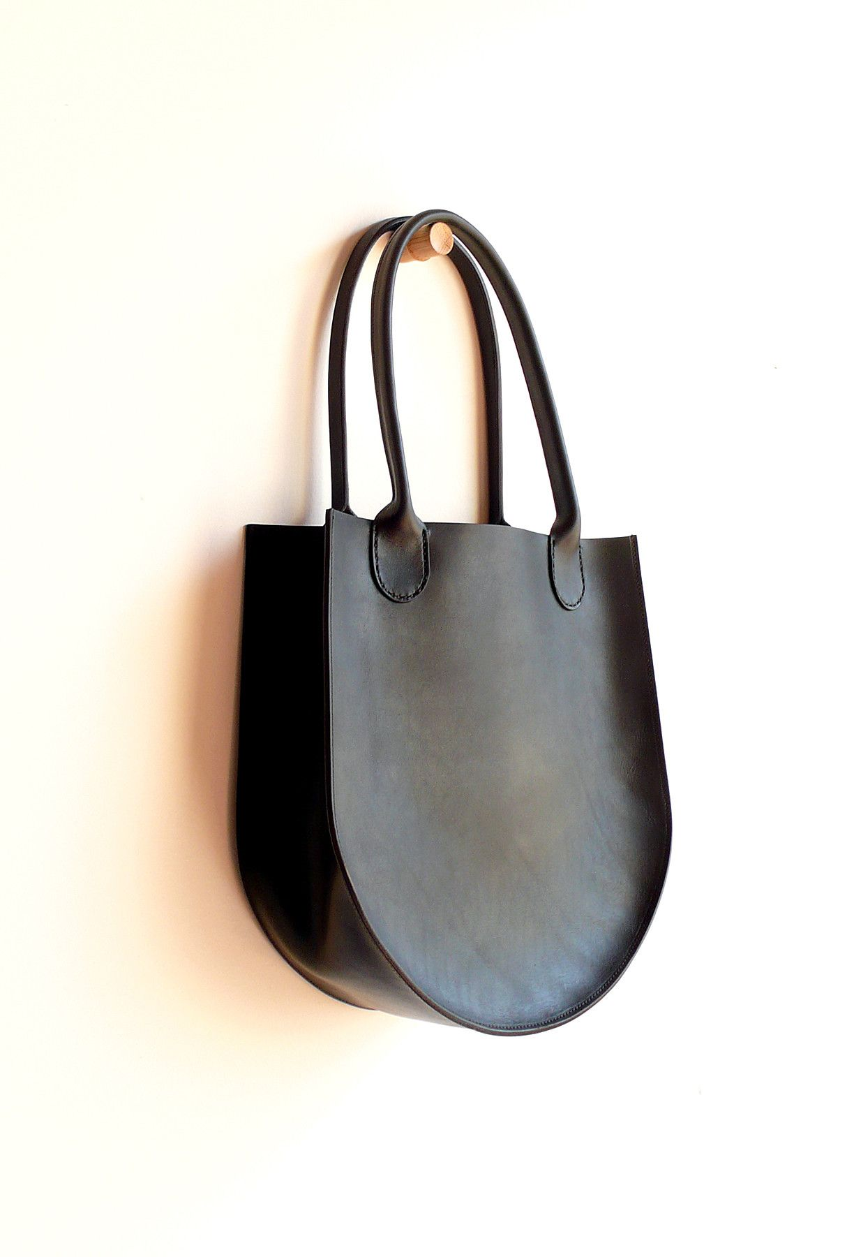 Sara Barner Leather Russell Tote Black 13 x 14 x 5 in