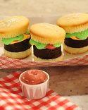 Hamburger Cupcakes!!! How cute!!!