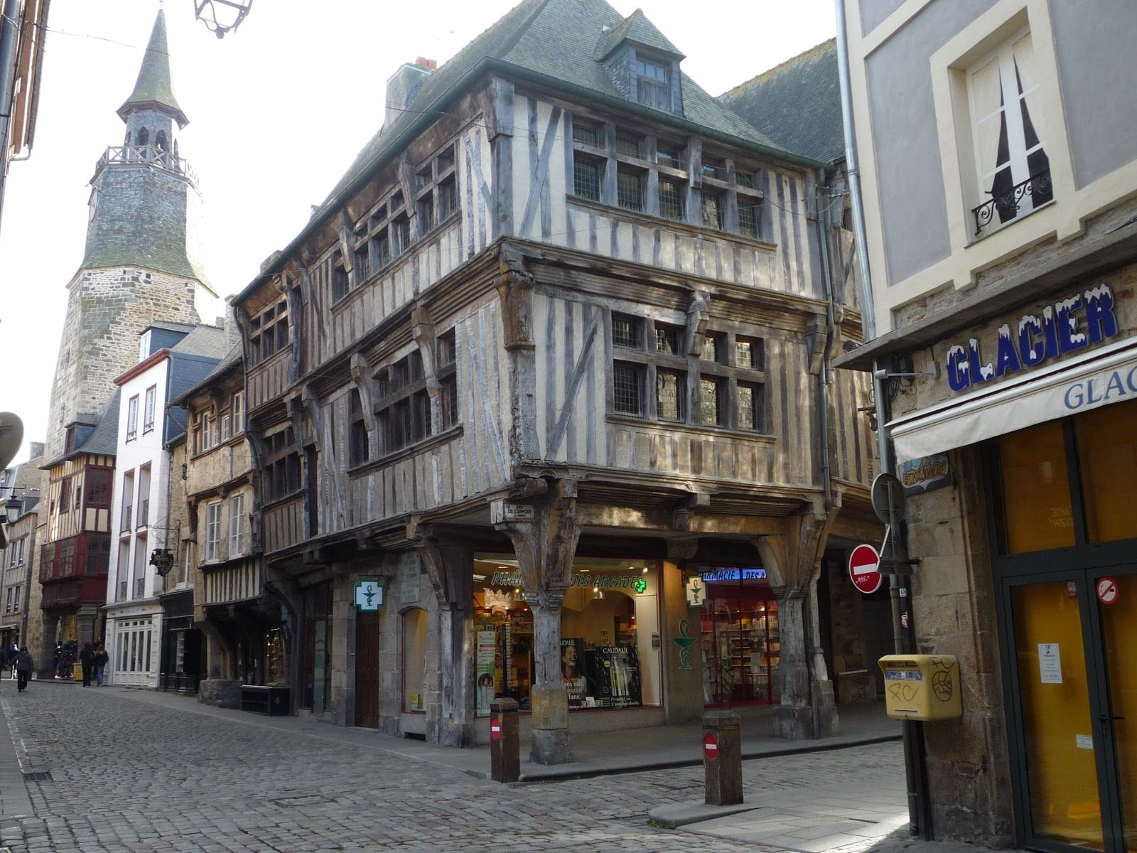 Dinan France is located near the famous and beautiful city of St