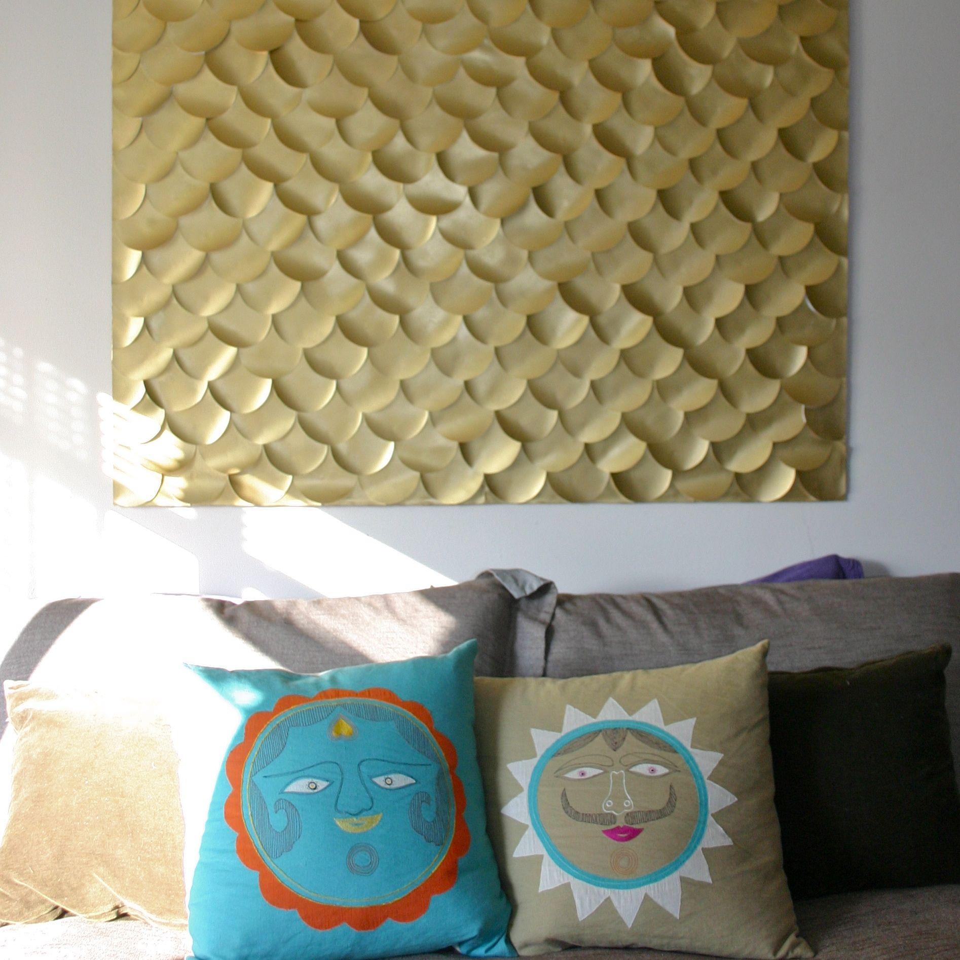 Diy fish scale wall art sopiskohan sängynpäädyksi muusta