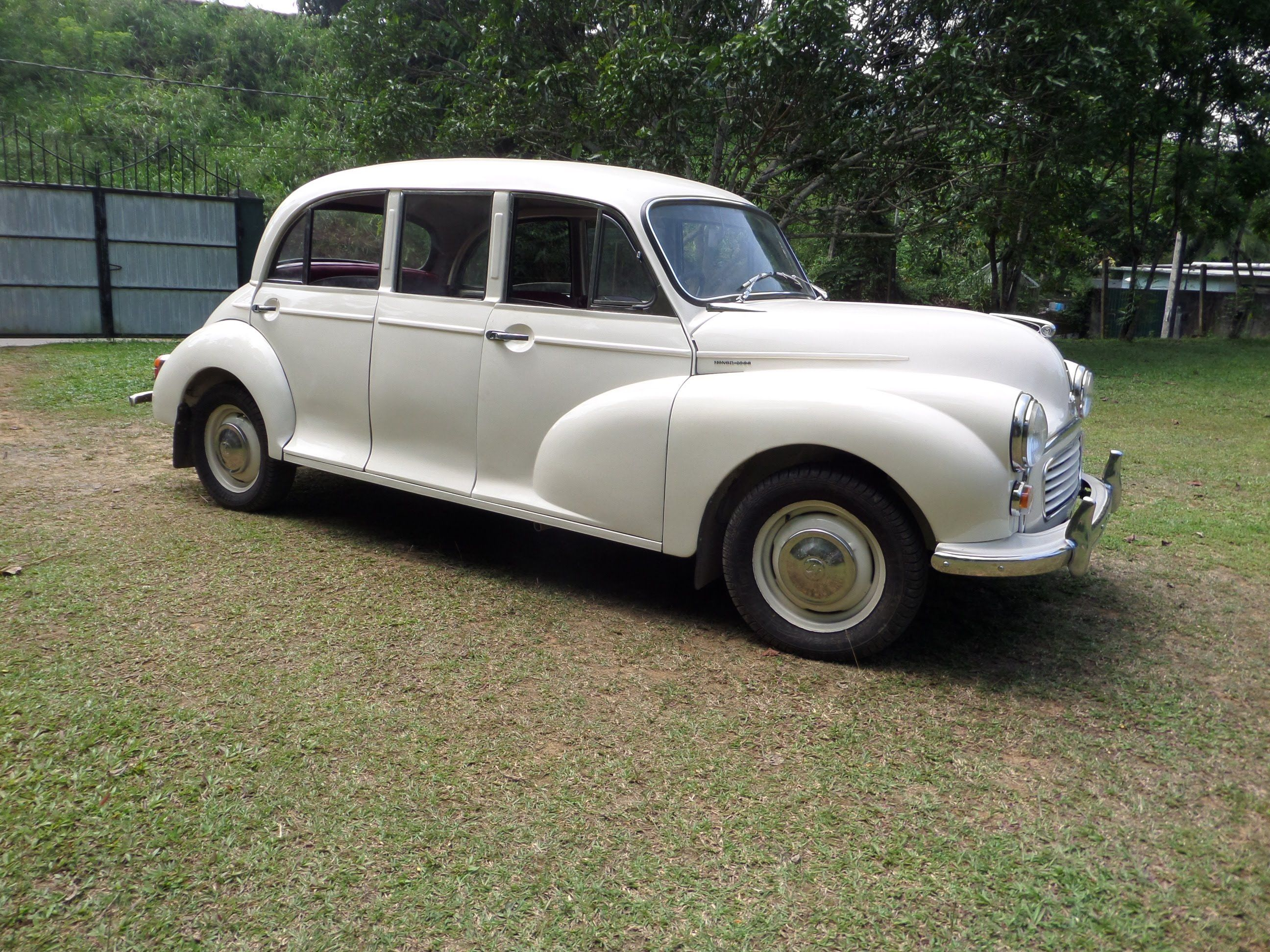 Morris Minor Limousine Trip Classic Car Club Of Ceylon Sri Lanka Morris Minor Classic Cars Classic Cars British