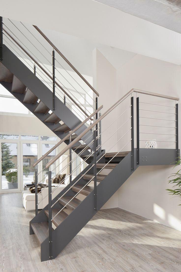 gewendelte hpl treppe mit stufen und handlauf in der holzart eiche geolt milano gelander zusatzlichem vsg glas  also rh pinterest