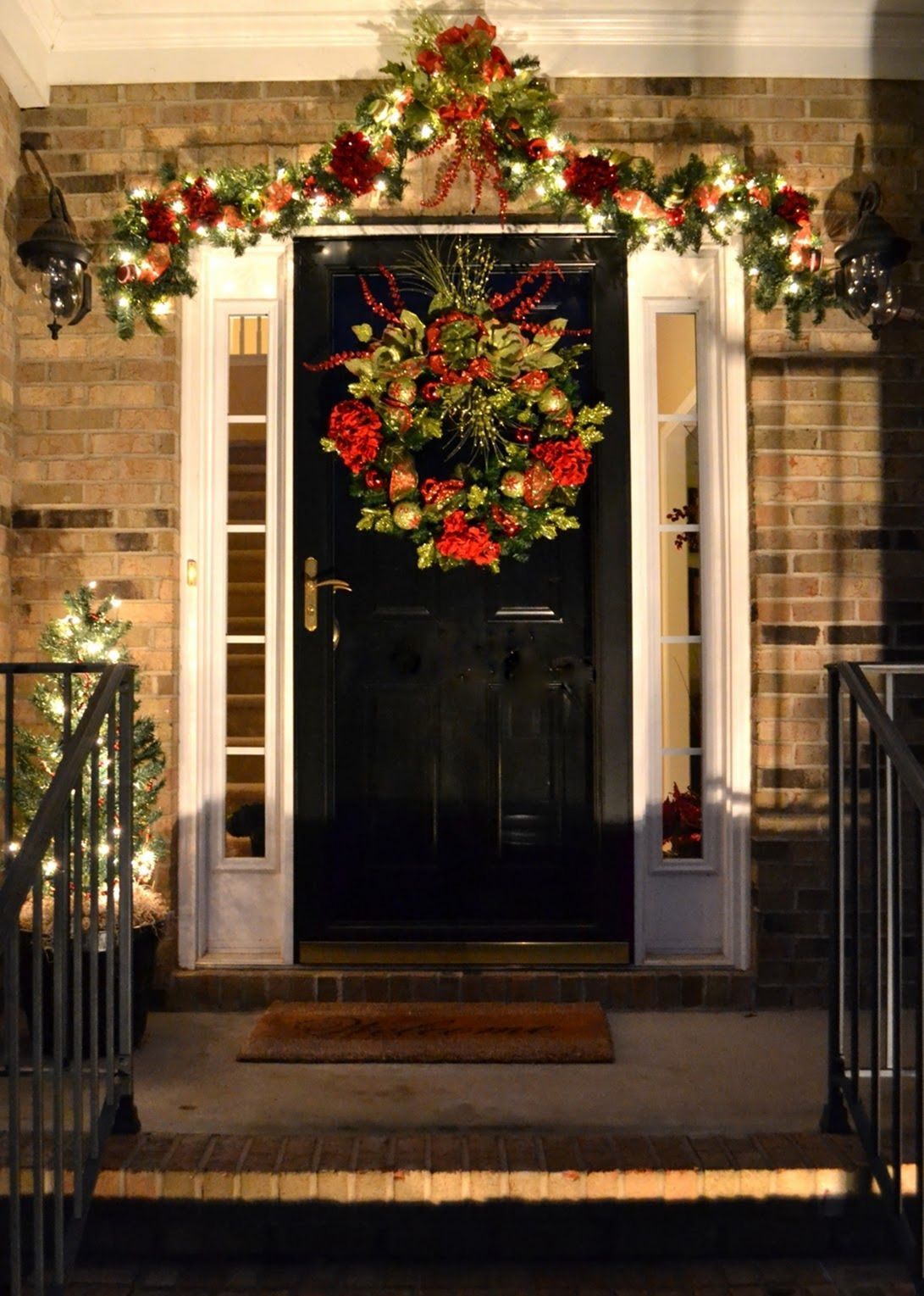 Beautiful home porch decorating ideas to welcome christmas day