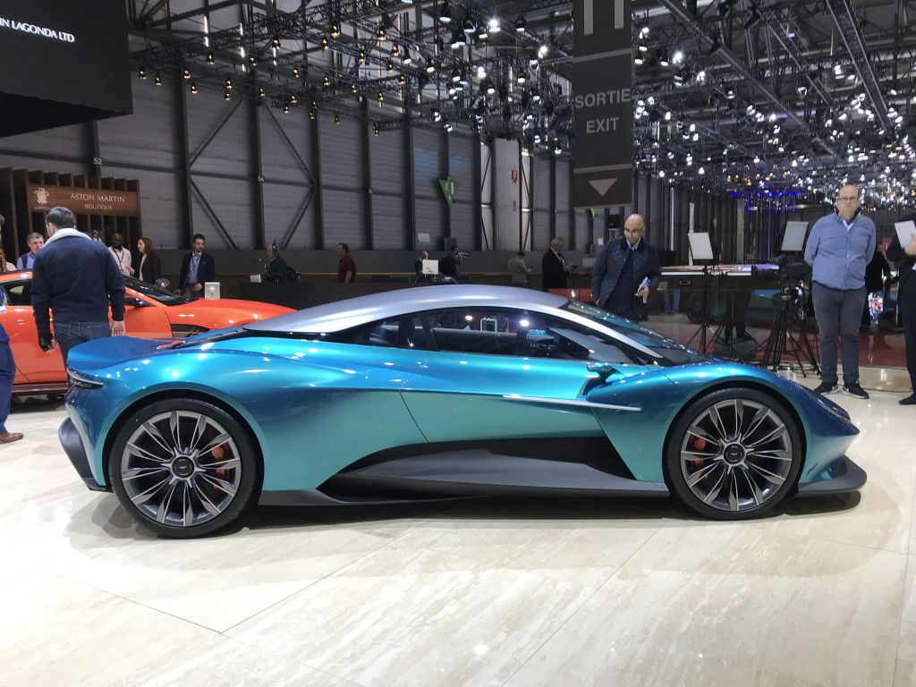 Concetto Di Aston Martin Vanquish Vision  Per Gentile