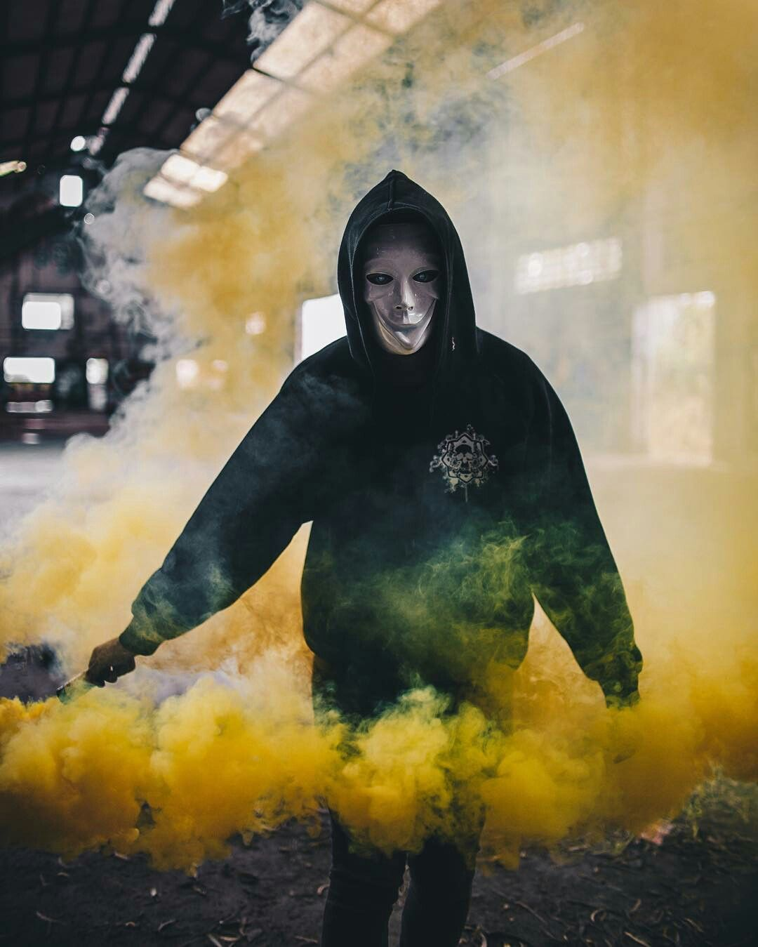 smoke bomb photography lighting