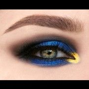 Pat McGrath Phantom 002  (Blue002 & Gold002)