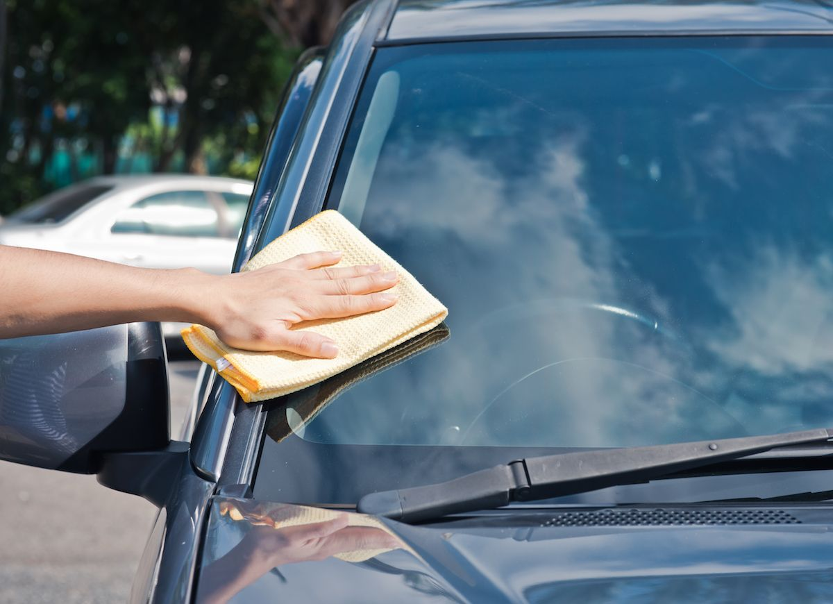 13 Hacks Every Car Owner Should Know Clean Car Windshield Car