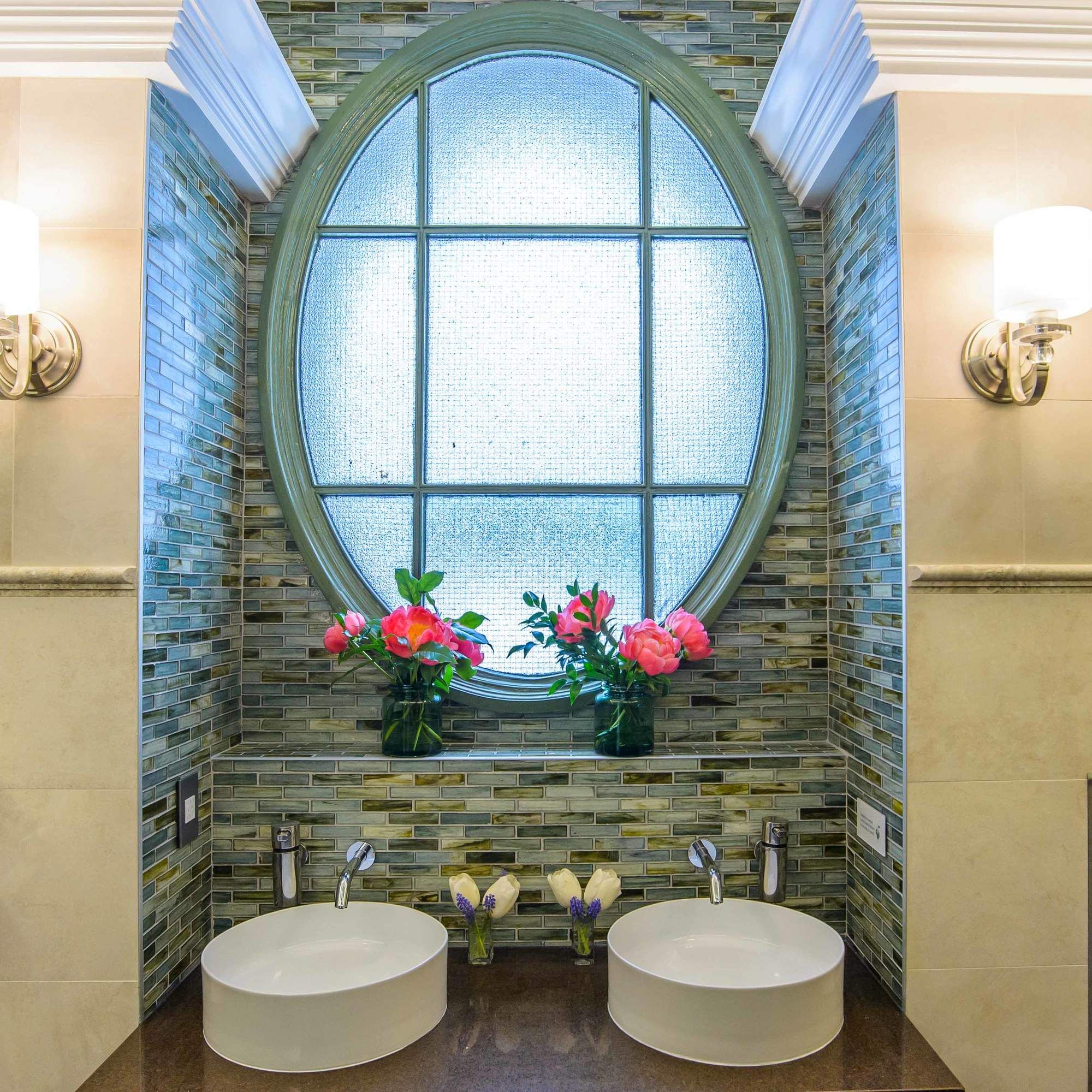 This Is The Nicest Public Bathroom In New York City Public Bathrooms Round Mirror Bathroom Public Restroom