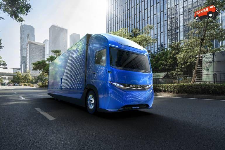 Daimler Trucks Prasentiert E Fuso Und Vollelektrischen Schweren Lkw Vision One Lkw Elektrisch Daimler Ag