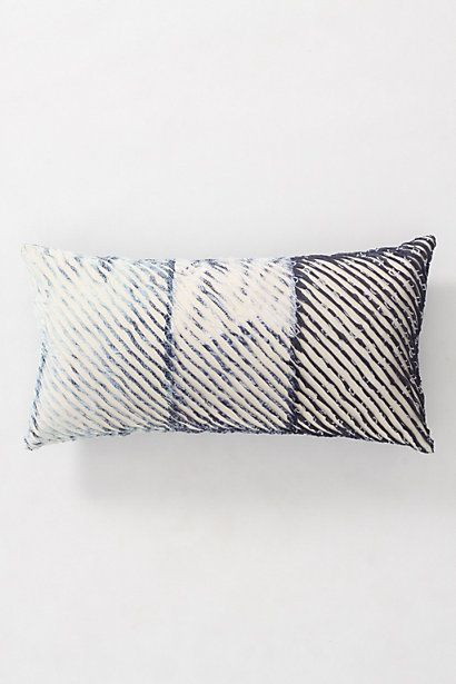 spliced shibori pillow japanese savoir faire coussin moderne shibori teinture. Black Bedroom Furniture Sets. Home Design Ideas