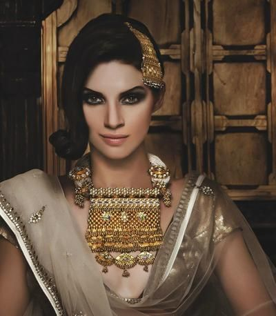 Komal Gulati Bridal Makeup Info & Review   Best Bridal Makeup in Delhi NCR   Wedmegood